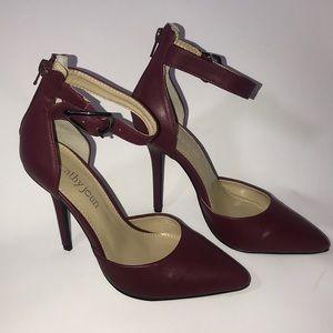 Cathy jean Women's shoes/heels size 6.5  purple